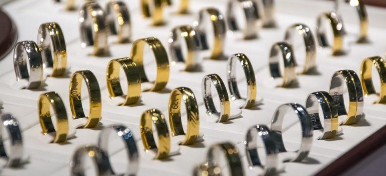 Voici comment le métal devient bijou